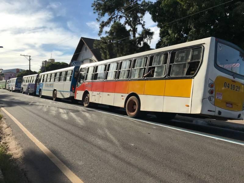 Prefeitura manda reforçar frota de ônibus durante dia de concurso público